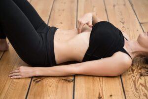 Symptomer på adskilte mavemuskler efter fødsel